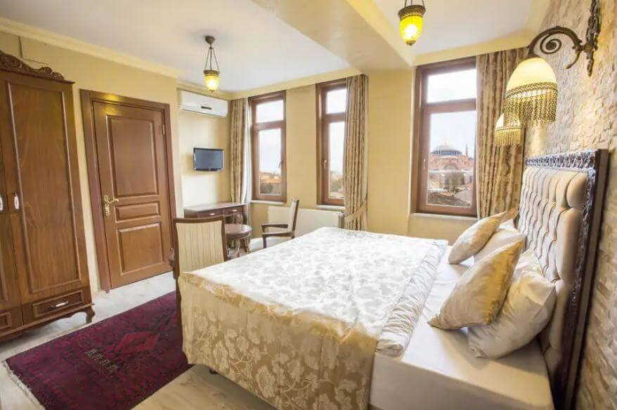 the best hostels in Istanbul