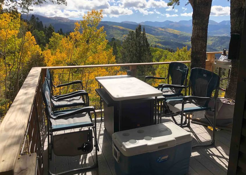 Colorado Off Grid Glamping Treehouse