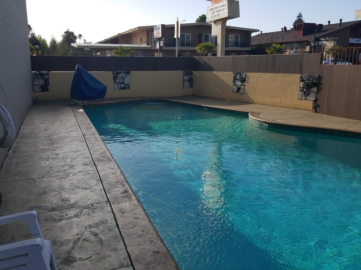 Islander Motel best hostels in santa cruz california
