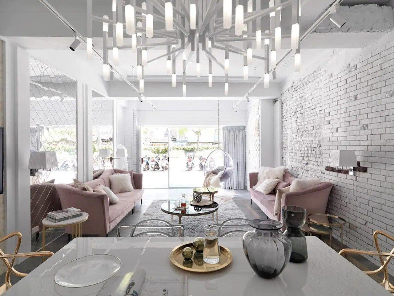 Luxury White Villa Taipei