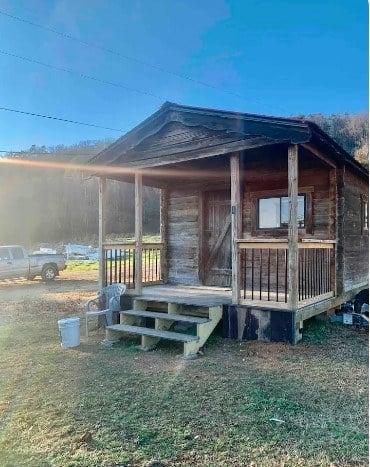 Modern Farmhouse Tiny Cabin, Tennessee