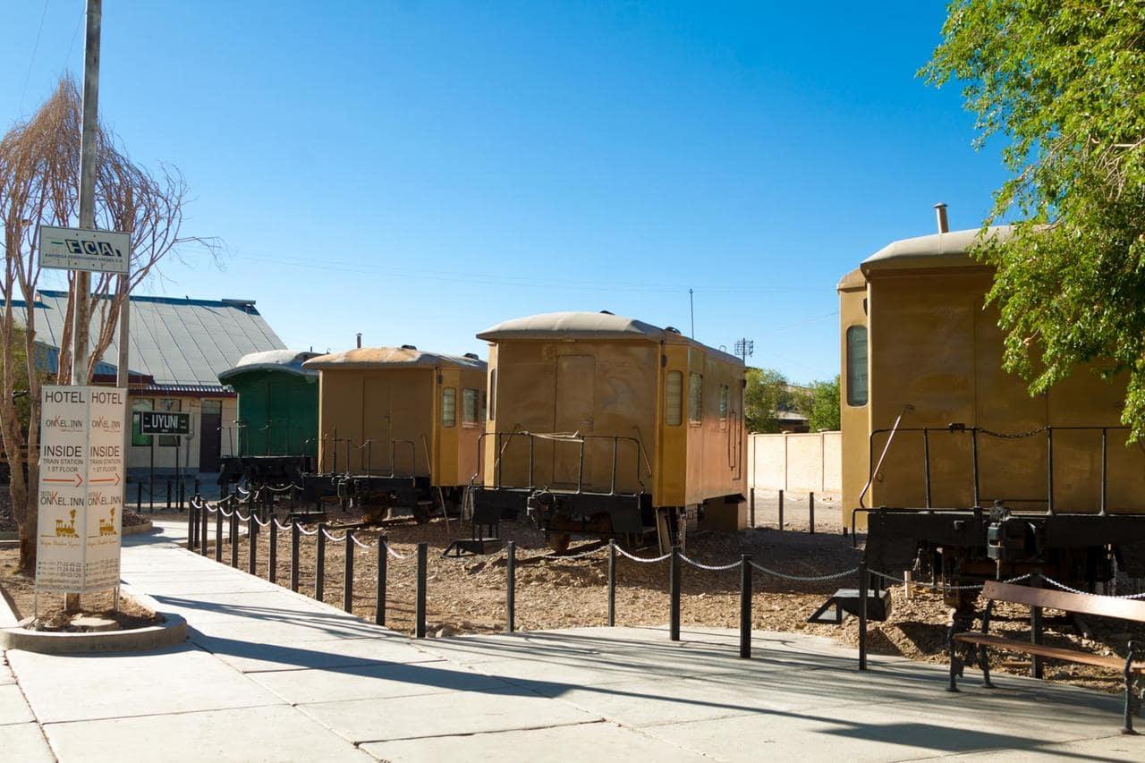Onkel Inn Wagon Sleepboxbest hostels Uyuni