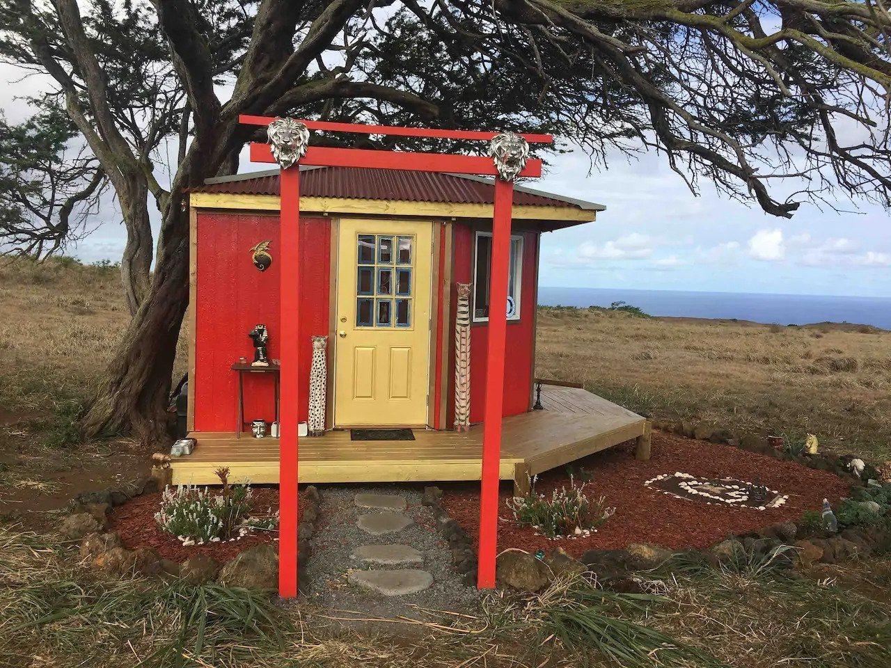 Rainbow Honeycomb Treehouse Hawaii
