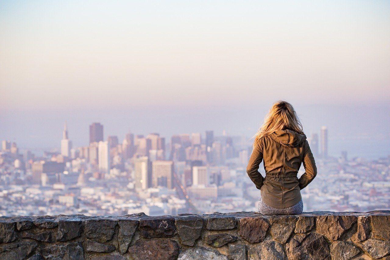 San Francisco - Female Traveller