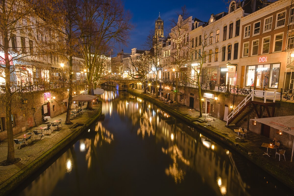 utrecht canals at night