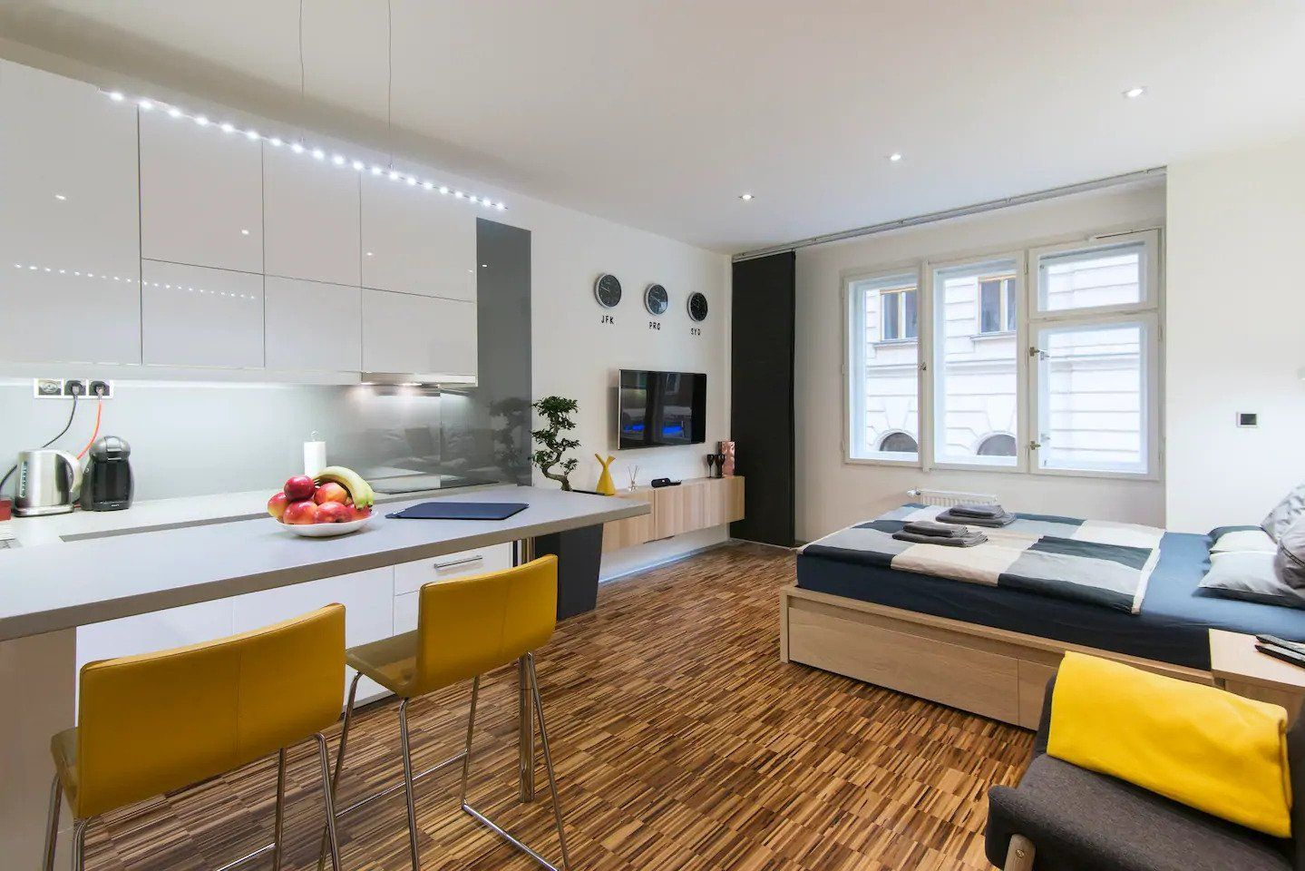 Apartment in Party Hub