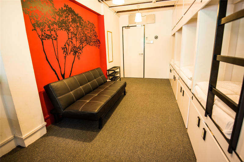 cheap places to stay in singapore
