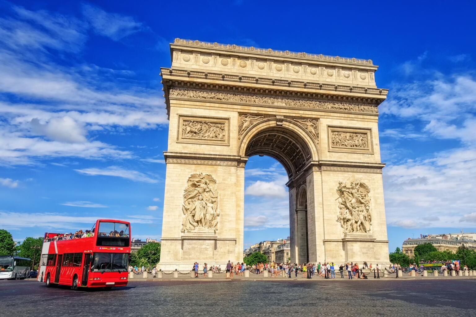 how to get around paris cheap