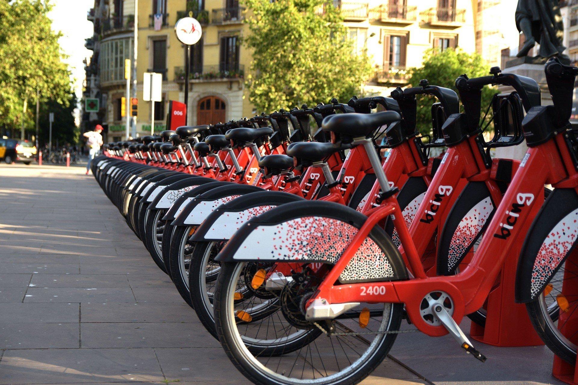 renting a bike in barcelona
