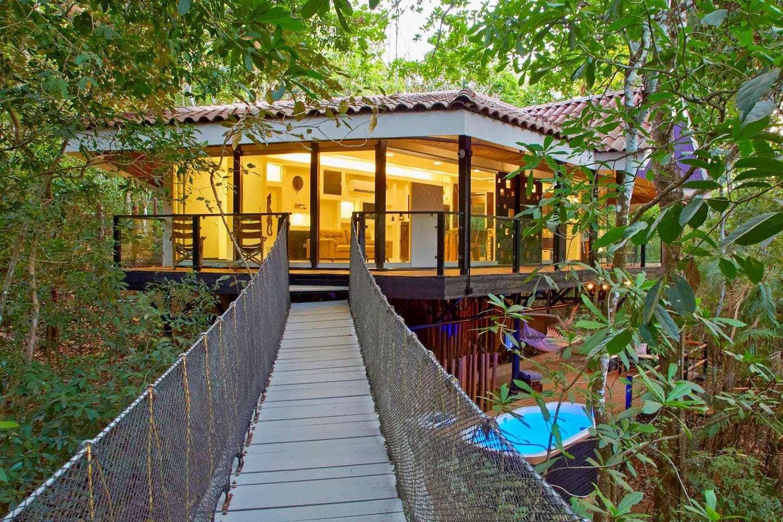 casa del arbol treehouse in costa rica