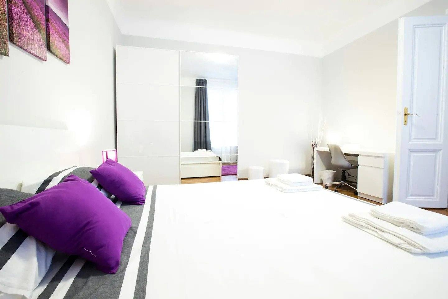 Bright And Spacious Large Flat
