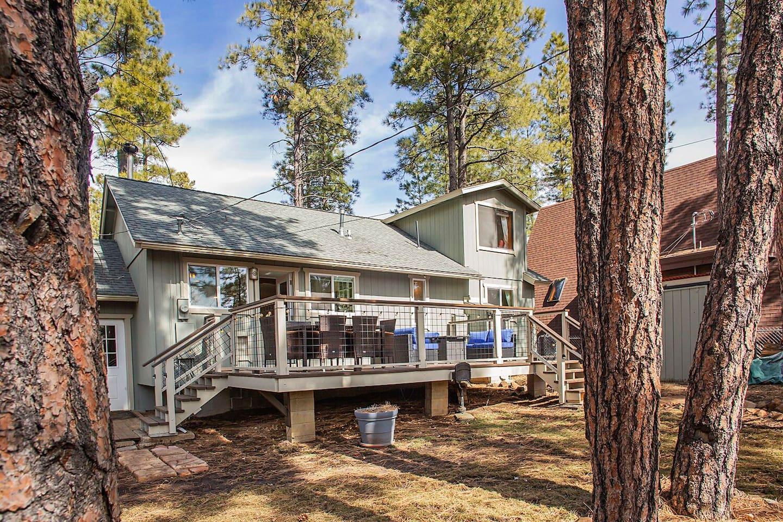 Cozy Cabin Mountain Retreat