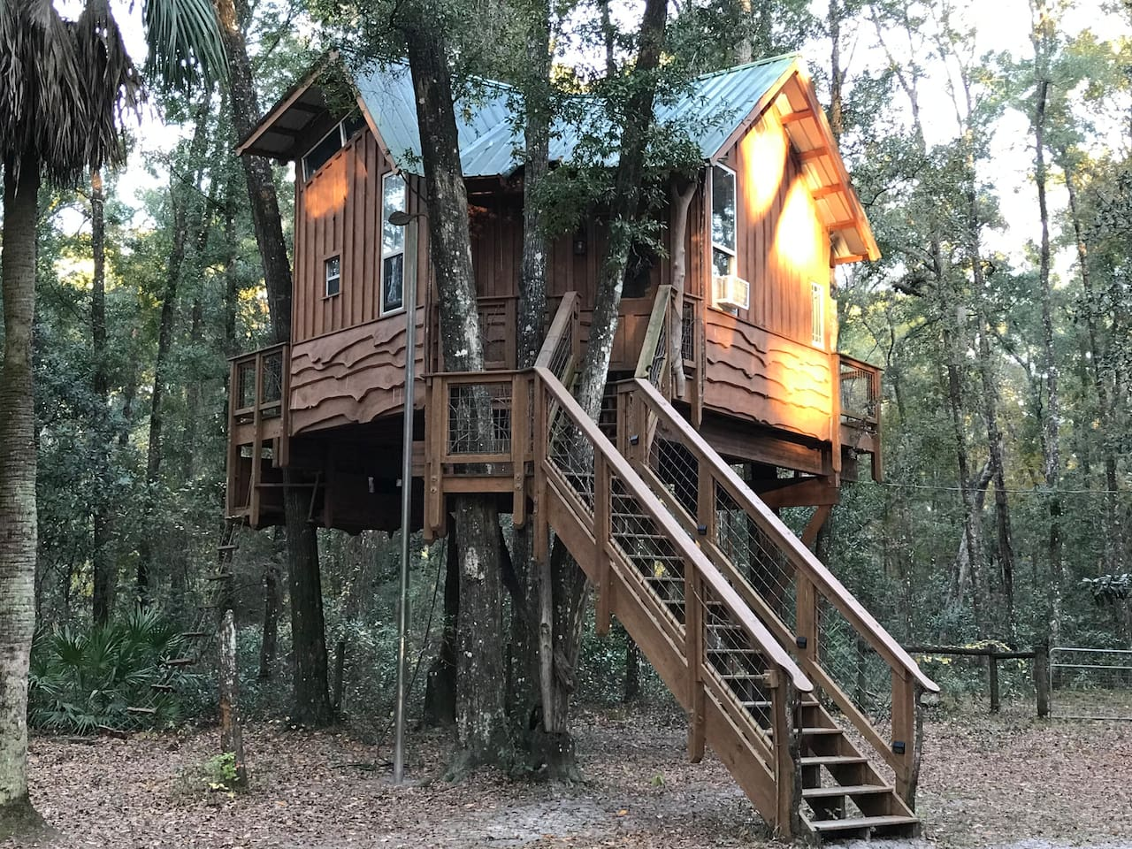 The Treehouse Cabin Retreat