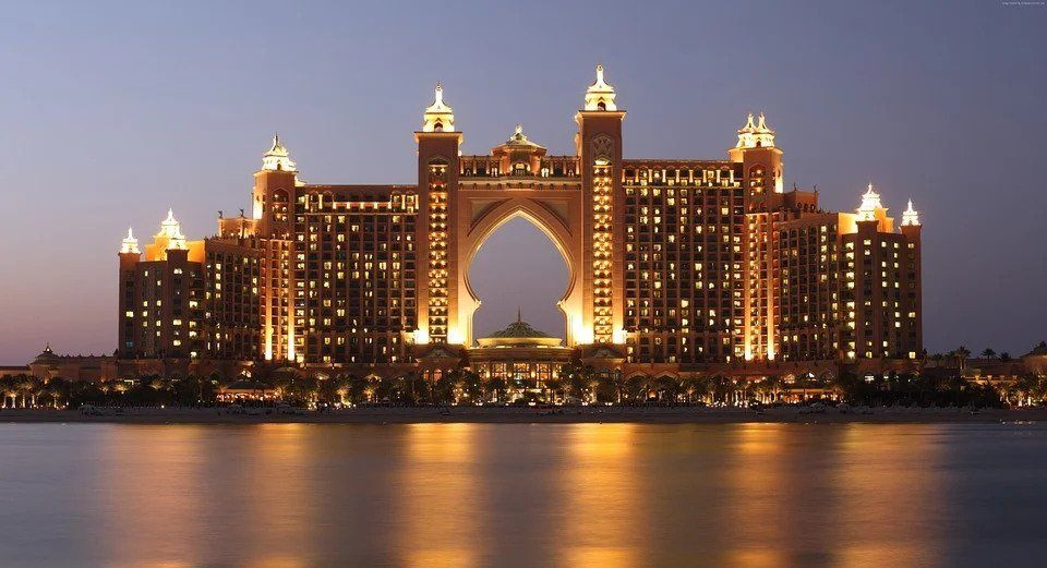 cost of travel to Dubai