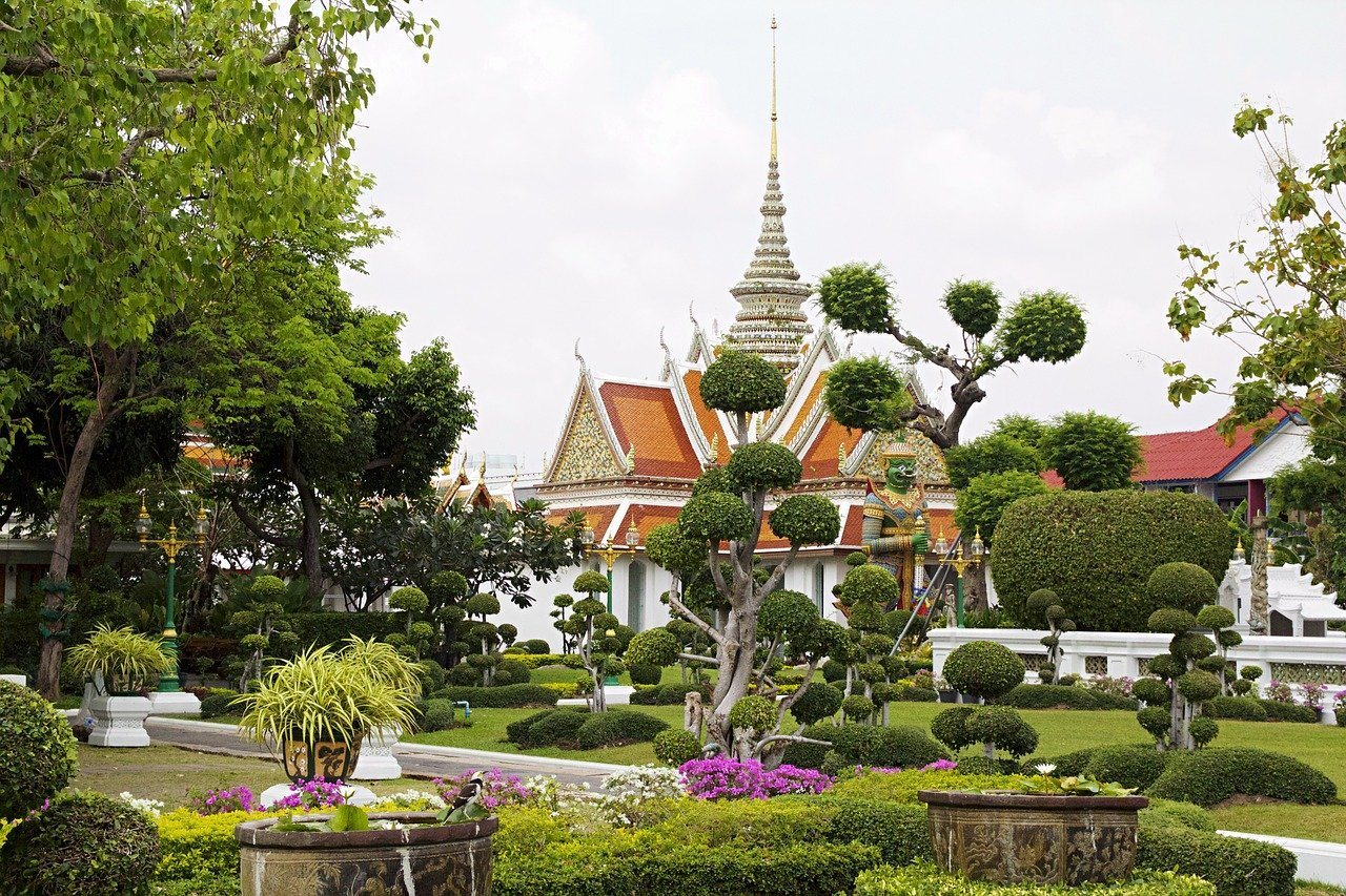 how much does a trip to bangkok cost