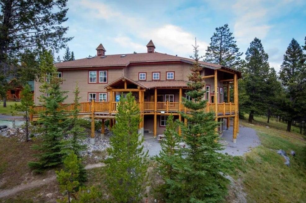 HI Banff Alpine Center