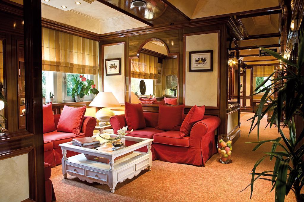 Le Flamboyant best hostel in Annecy