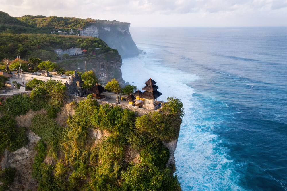 near uluwatu temple
