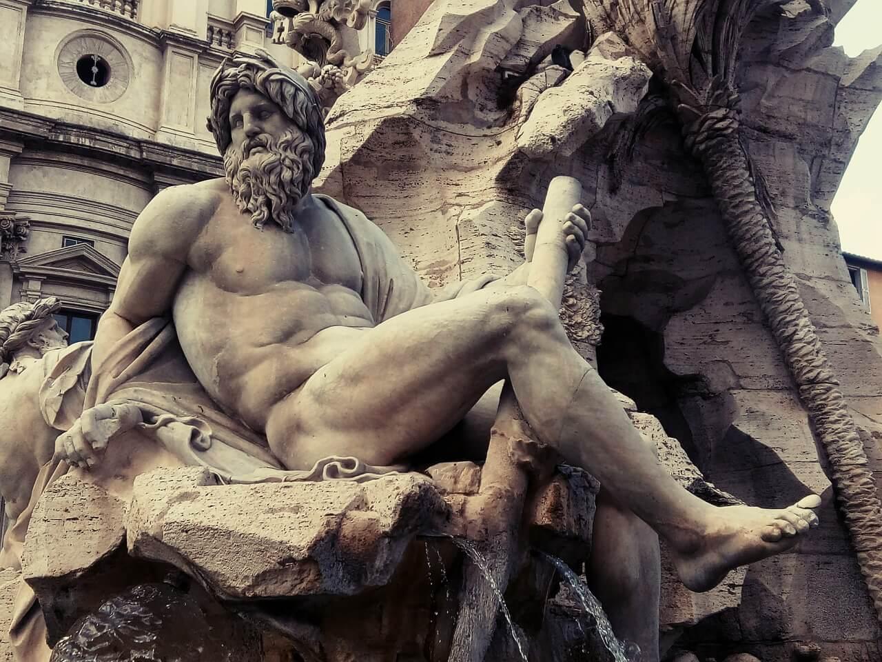 statue at piazza navona