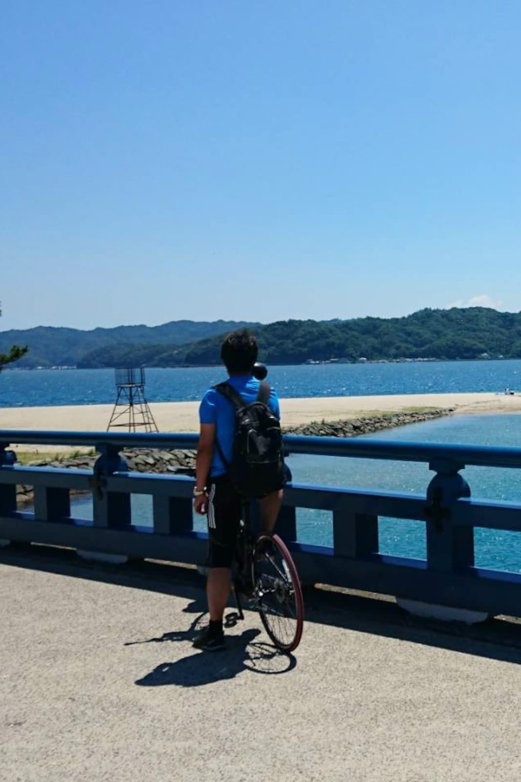Cycle across the Amanohashidate sandbar