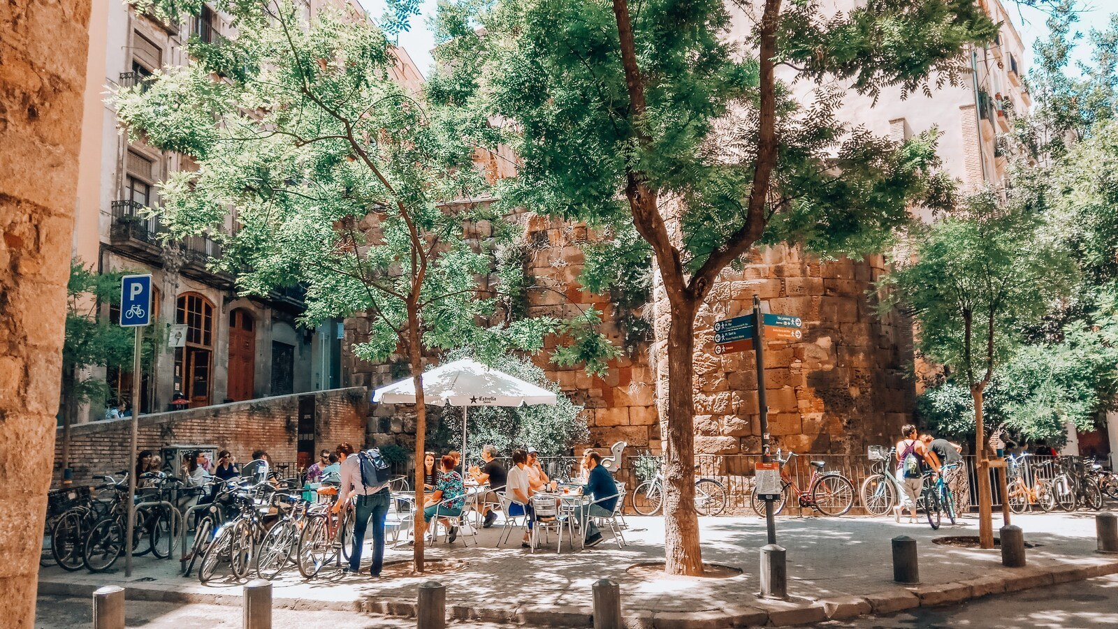 Explore Barcelona by Foot