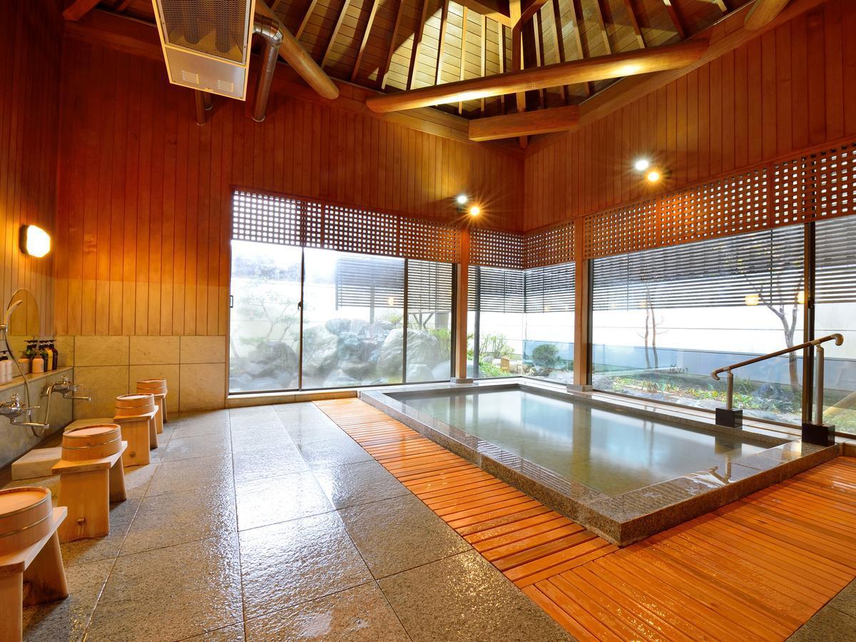 Hotel Hagoromo, Japan