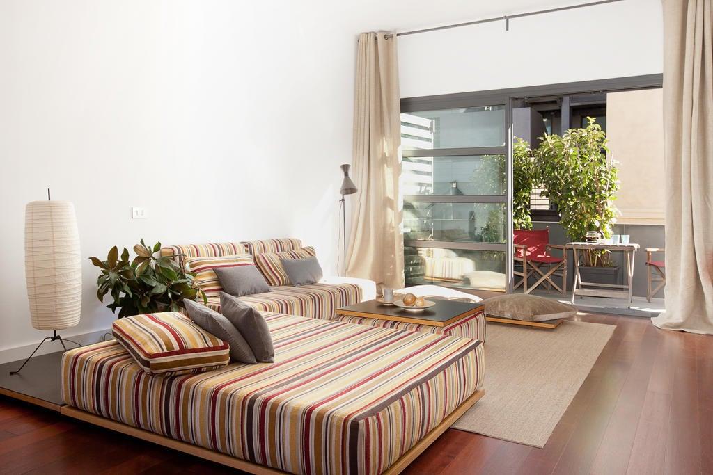 Sealona Beach Loft Apartments