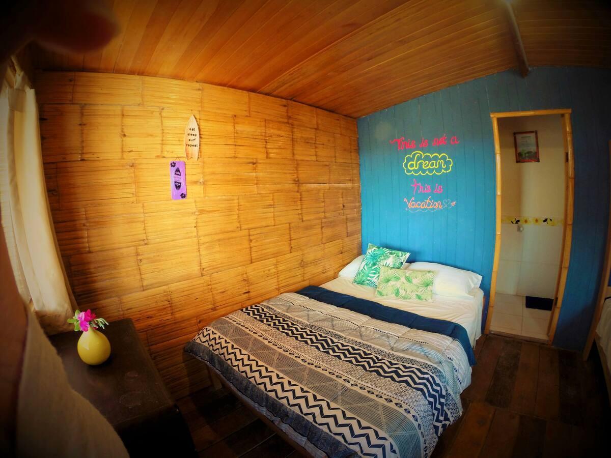 Tallak Cabin by Lobitos Beach