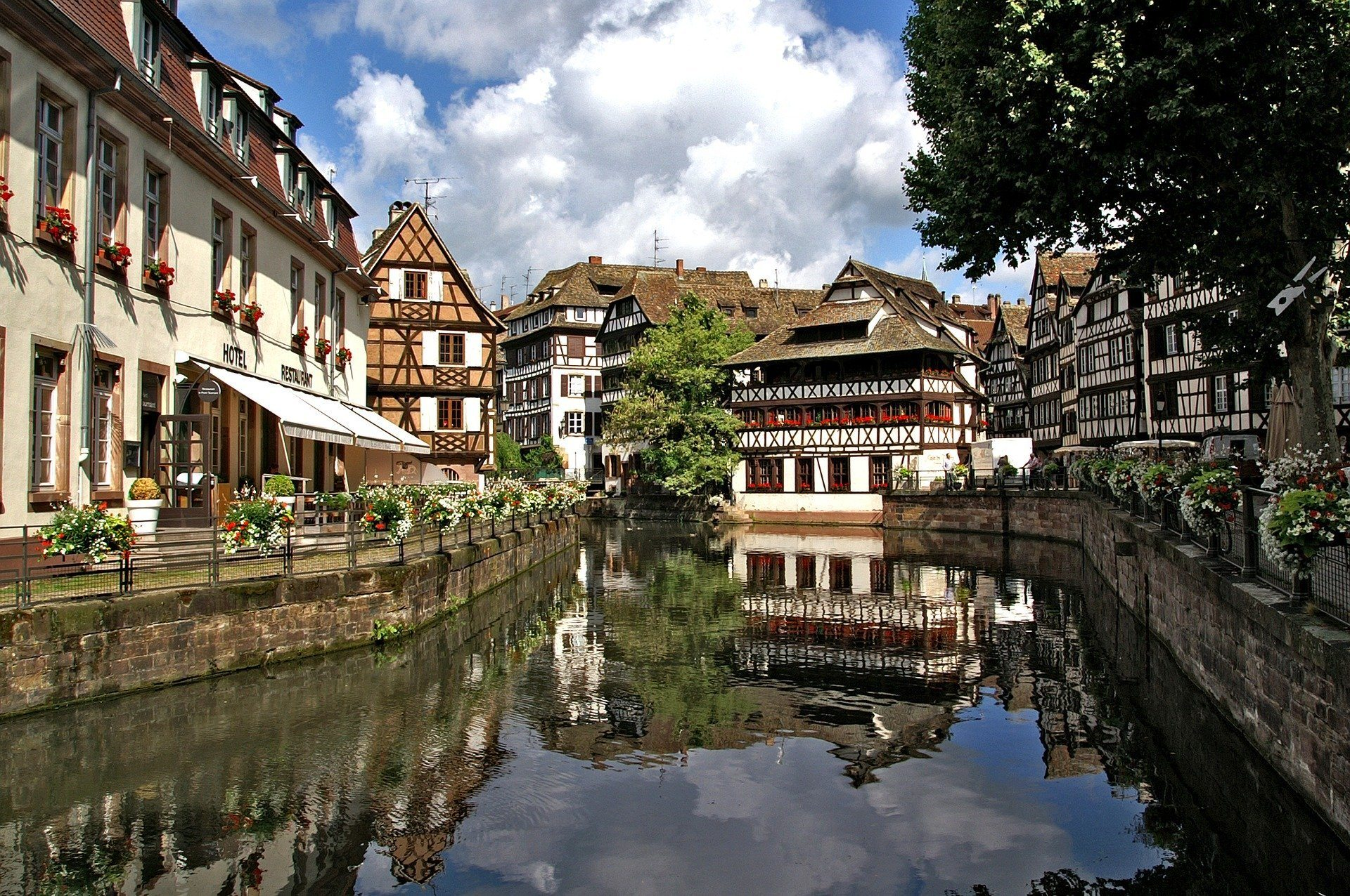 best hostels in strasbourg