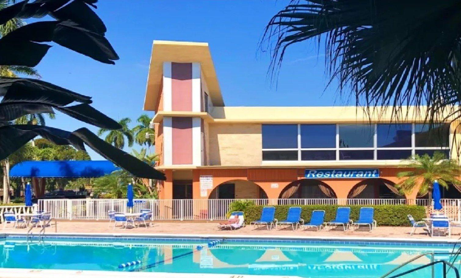BHostels Hollywood Florida best hostel in Fort Lauderdale