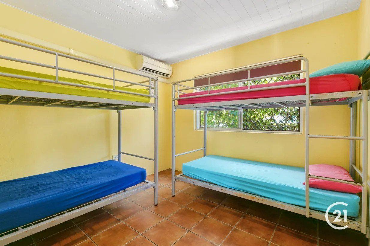 Dolphins Beach House Best Hostel in Noosa