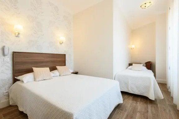 Hotel Anjou Best Hostel in Biarritz