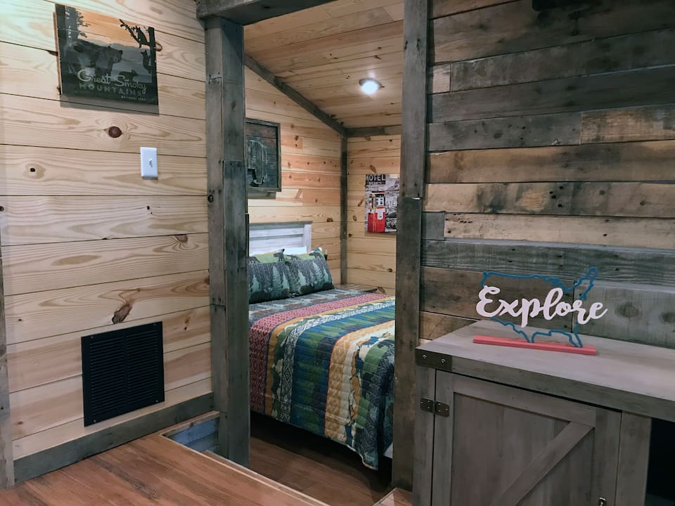 Art Loft in Smoky Mountains Pigeon Forge