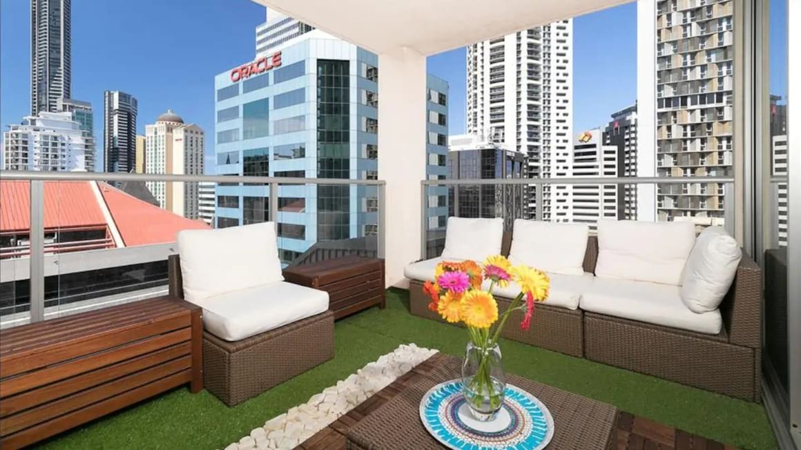 Homely and Spacious in Heart of City