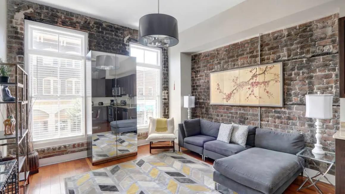 Modern Downtown Loft, Savannah