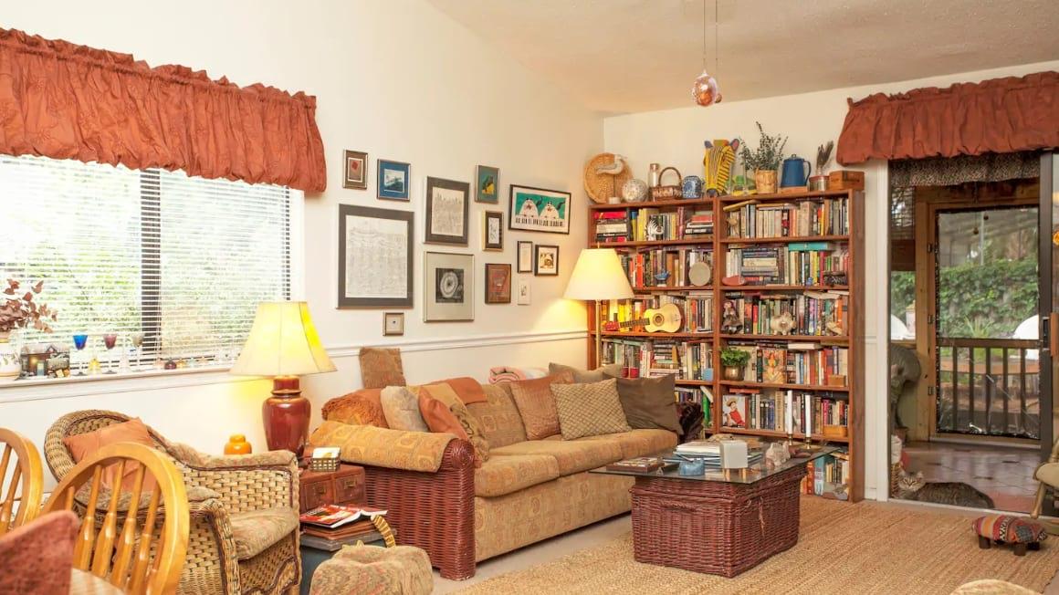 Quaint Thunderbolt Guestroom, Savannah