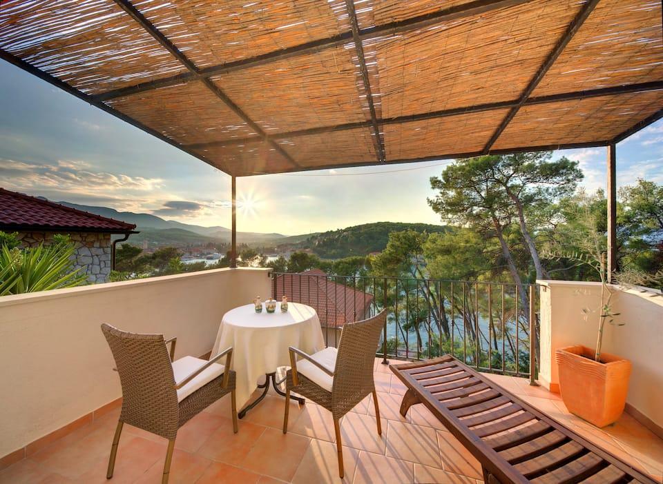 Studio Apartment with perfect sea view Hvar