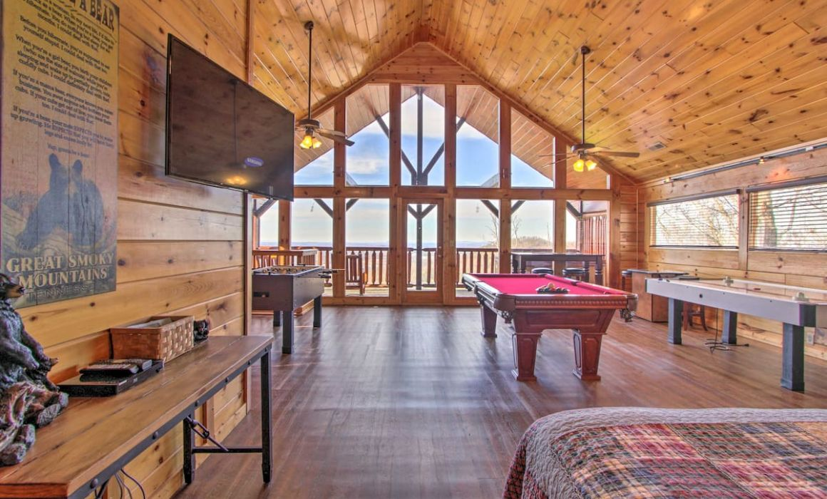 Upscale Retreat with Stunning Views Pigeon Forge