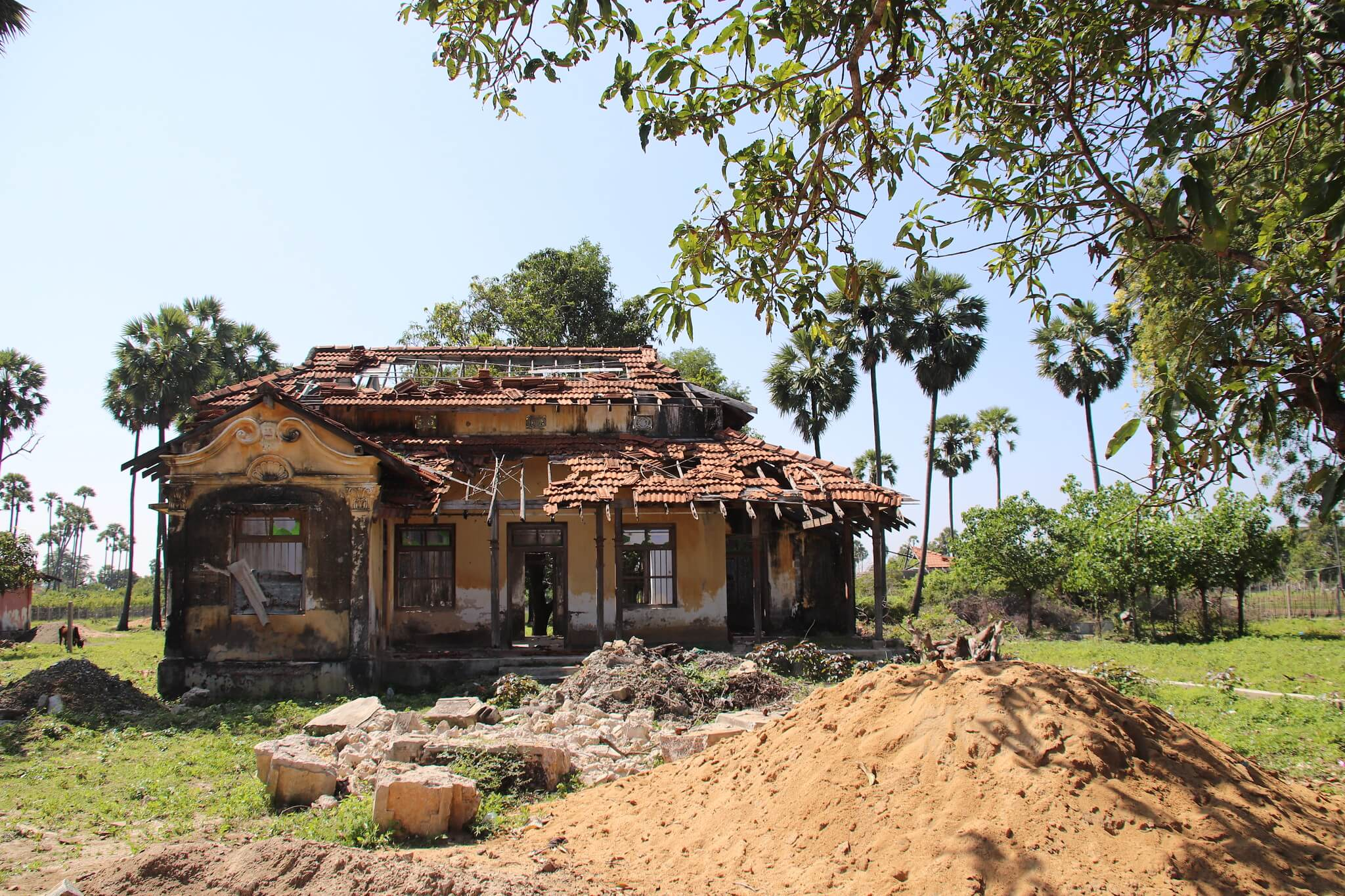 An abandoned house seen while backpacking in Sri Lanka's north
