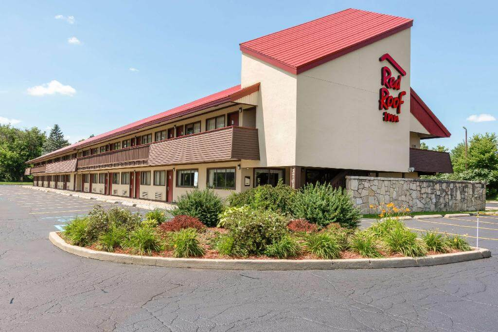 Red Roof Inn - the last resort budget hotel chain in the USA