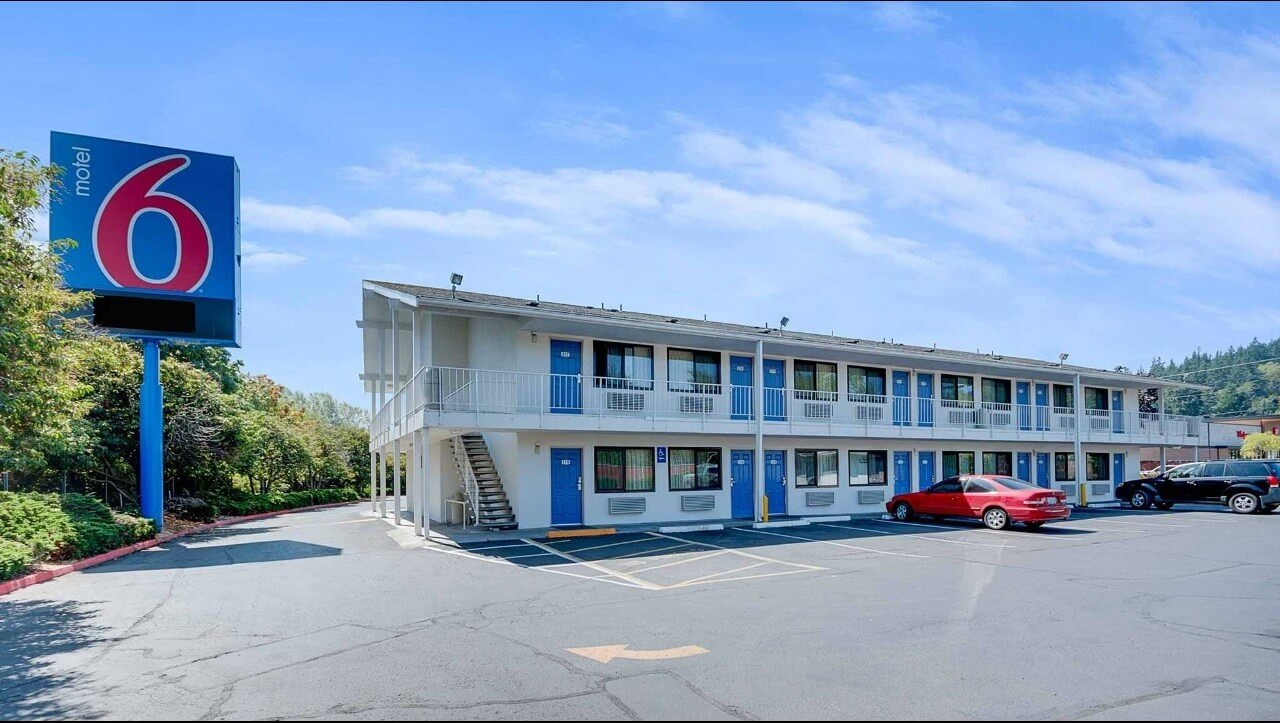 Motel 6 - cheapest budget hotel chain in the USA