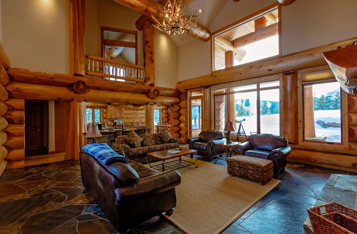 Lone Mountain Log Home
