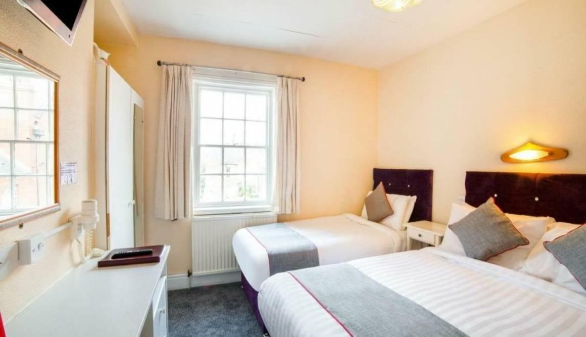 OYO-Diamonds-Inn best hostels in York