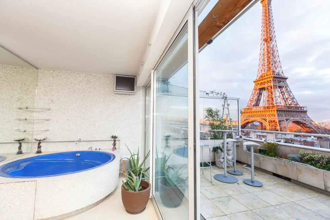 Penthouse with the best view, Paris
