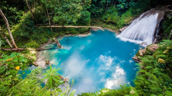 Can Americans travel to Jamaica