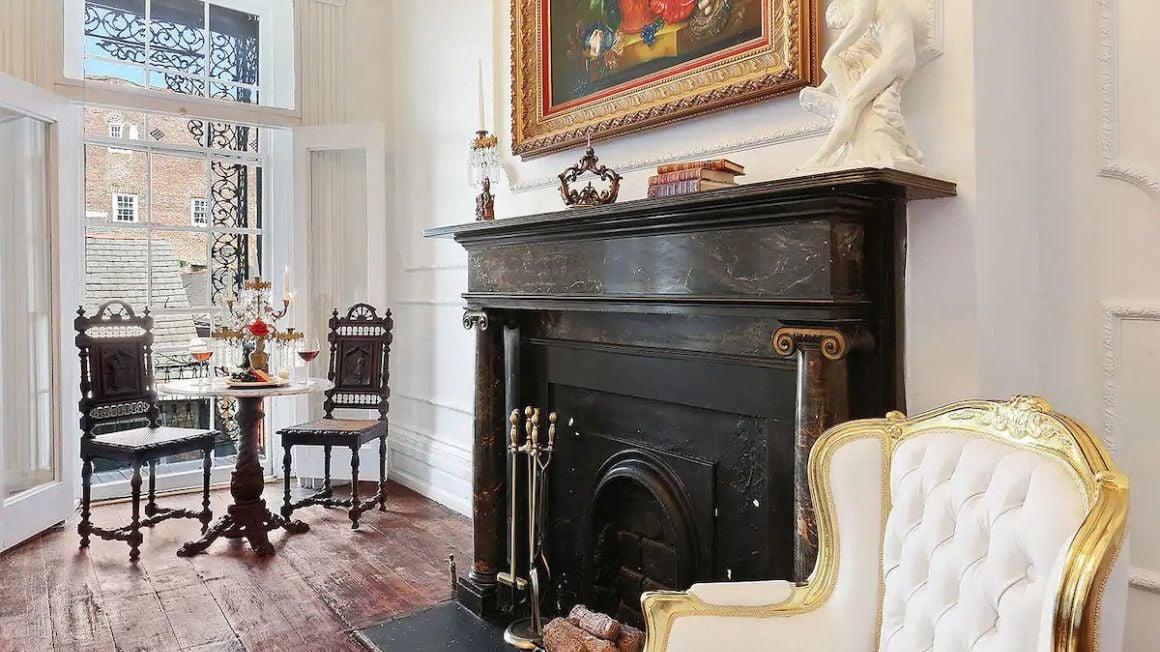 French Quarter Mansion, Bourbon Street