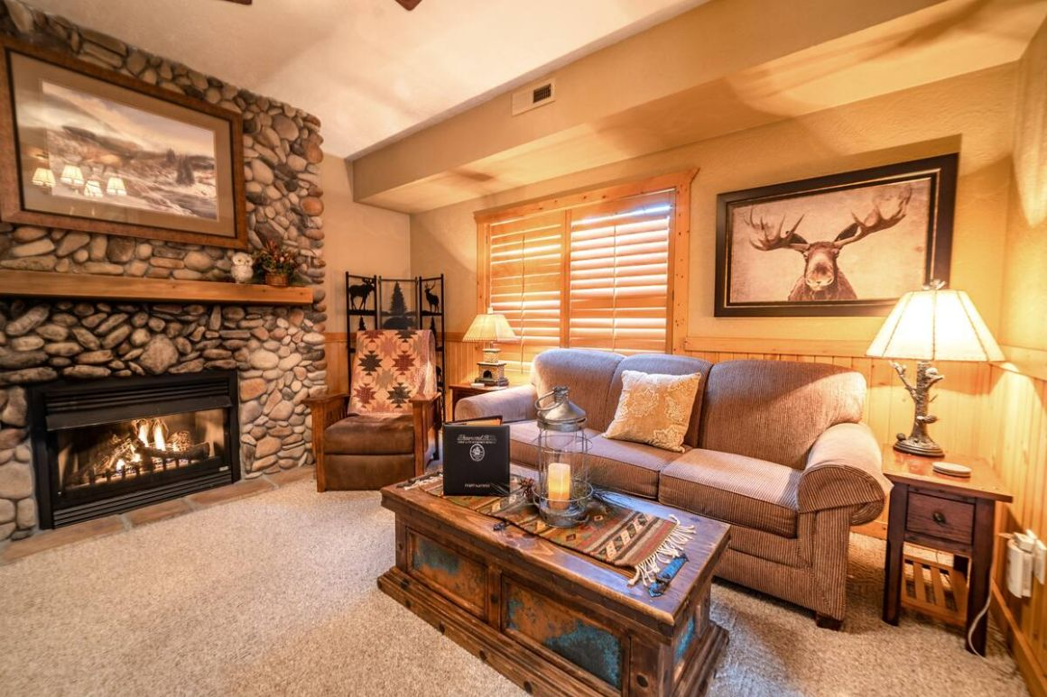 Rustic Branson Cabin for friends, Branson