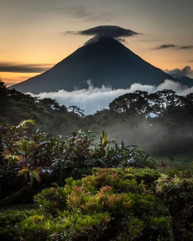 arenal volcano backpacking costa rica