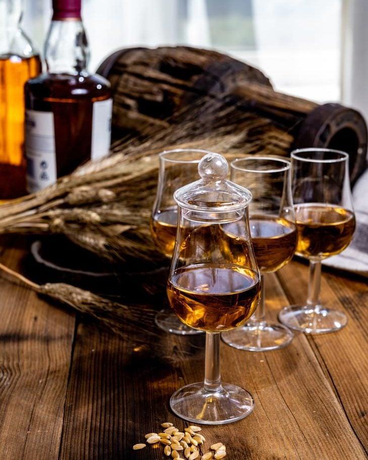 whiskey tasting in bourbon distillery