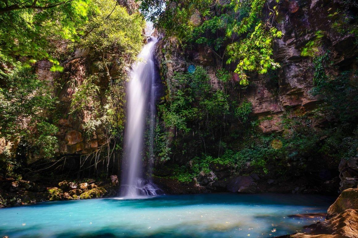 water fall costa rica